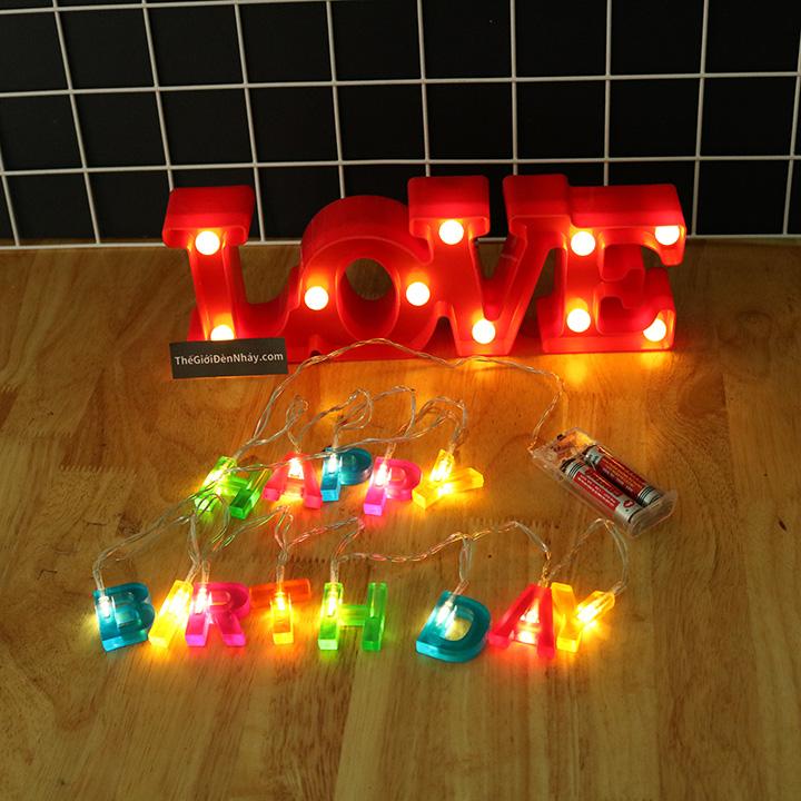 đèn happy brithday dùng kết hợp với đèn love