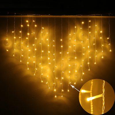 đèn mành trái tim màu vàng